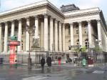 La bourse de paris rebondit prudemment, incertitude en italie