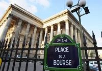 CAC 40 : La Bourse de Paris se replie dans le calme alors que Wall Street reste fermée