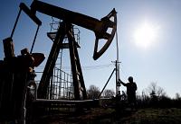 Les cours pétroliers refluent nettement