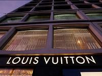"""LVMH Moet Vuitton : Victime d'un """"fat finger"""" à l'ouverture, le titre a perdu jusqu'à 9%"""