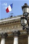 La bourse de paris indécise dans les premiers échanges