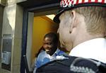 Le trader d'ubs inculpé à londres, maintenu en détention