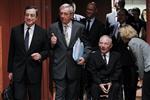 Europe : l'eurogroupe temporise sur la grèce, l'italie et le fesf