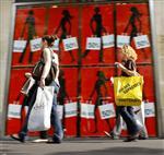 Les marques de mode tentent de sauver une année noire