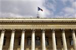 Paris et les bourses européennes ouvrent en baisse