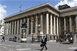 Les bourses européennes creusent leurs pertes à mi-séance
