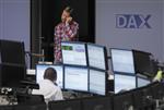 Les marchés européens stables ou en légère baisse à la mi-séance