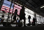 Wall street : wall street ouvre en baisse, incertitudes sur la fed
