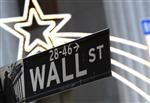 Wall street : wall street ouvre sur une note hésitante, apple gagne 2,6%