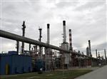 Les cours du pétrole terminent en hausse à l'approche d'isaac