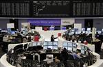 Les bourses européennes se retournent à la hausse à mi-séance
