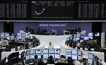 Europe : les bourses européennes restent hésitantes à la mi-séance
