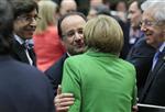 Europe : Hollande et Merkel évitent le clash sur l'austérité à Bruxelles