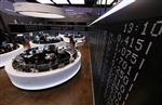 Europe : Les Bourses européennes quasi-stables à la mi-séance