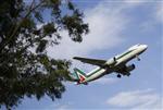 Alitalia réussit à augmenter son capital de 300 millions d'euros