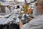 Marché : Moindre contraction du secteur manufacturier en janvier