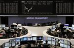 Europe : Les Bourses européennes restent stables à la mi-séance