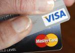 Marché : MasterCard et Visa privent deux banques russes de leurs services