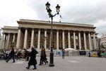 Les Bourses européennes hésitent en début de séance