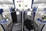 Airbus dévoile la cabine de l'A350, son nouveau long-courrier