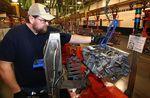 Marché : La croissance du secteur manufacturier US se tasse, selon Markit