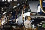 Le constructeur de Lada accélère ses réductions d'effectifs