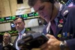 Wall Street : Wall Street ouvre en hausse après l'immobilier et l'inflation