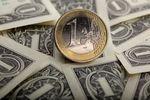 Marché : L'euro tombe brièvement sous 1,30 dollar avec les propos de Draghi