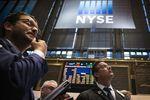 Wall Street : Wall Street ouvre en légère hausse, freinée par des indicateurs
