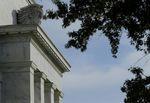La Fed met fin aux rachats d'actifs, confiante sur la reprise