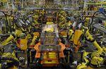 L'indice manufacturier américain ISM recule moins que prévu