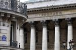 Europe : Les Bourses européennes débutent la semaine dans le vert