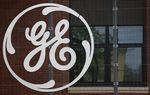 GE relève son objectif de cessions d'actifs pour GE Capital