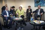 Marché : Hollande et Merkel pressent Tsipras de conclure un accord