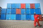 Déficit commercial en baisse à 3,01 milliards d'euros en avril