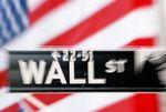 Wall Street : Wall Street ouvre en légère hausse, la consommation pèse