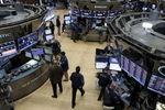 Wall Street : Le Dow Jones perd 2,39% à la clôture, le Nasdaq cède 2,75%