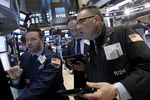 Wall Street : Wall Street ouvre en baisse après l'emploi dans le privé