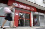 Le bénéfice de Banco Santander en baisse de près de 50%