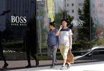 Marché : Hugo Boss va poursuivre les fermetures de magasins