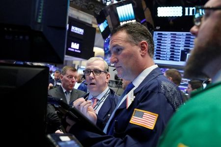 Wall Street : Le Dow Jones quasiment inchangé, le Nasdaq prend 0,14%