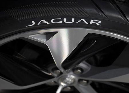 Industrie et économie / Jaguar supprime 1000 postes à cause du Diesel