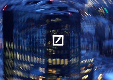 Deutsche Bank dévisse sur fond d'inquiétudes de la Fed