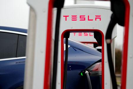 Marché : Tesla va réduire ses effectifs de 7%, le titre recule