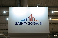 Saint-Gobain poursuit son recentrage stratégique