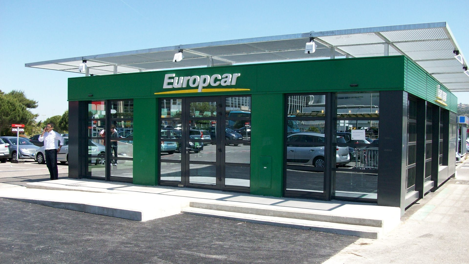 europcar le groupe finalise le rachat de goldcar trading sat. Black Bedroom Furniture Sets. Home Design Ideas