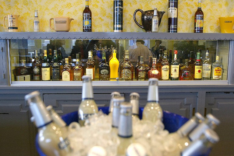 pernod ricard les ventes de pernod ricard baissent en france mais bondissent en chine bfm bourse. Black Bedroom Furniture Sets. Home Design Ideas