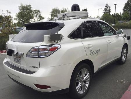 Google s'associe à Avis pour gérer sa flotte de voitures autonomes