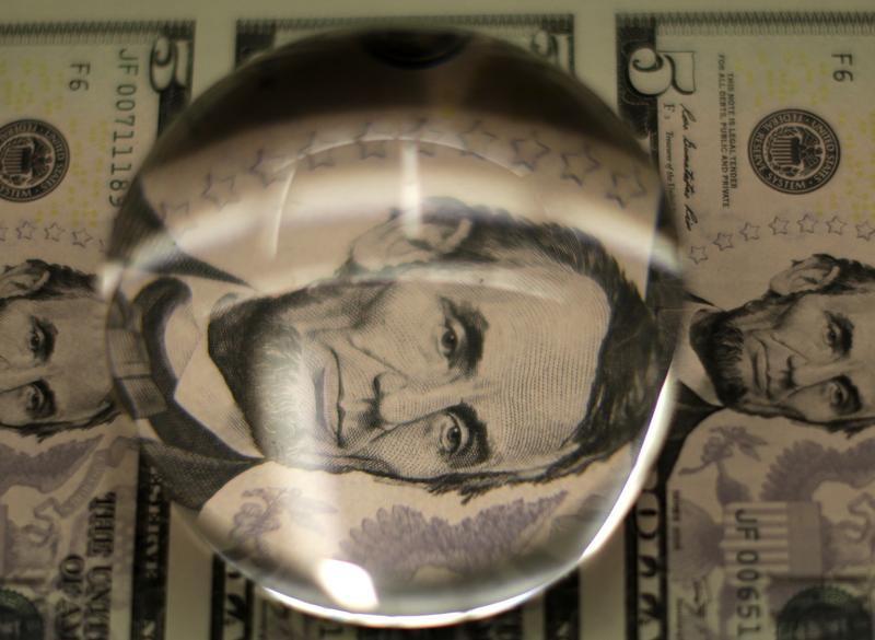 Le déficit commercial américain bondit de 12 %