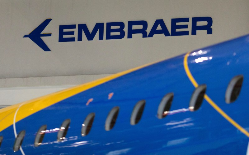 Boeing rachète la division aviation civile d'Embraer - Infos Reuters